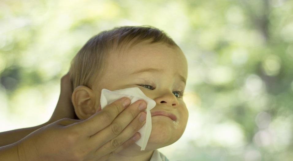 como quitar colicos a un bebe recien nacido